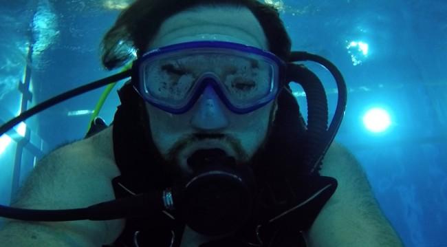 Bernhard unter Wasser