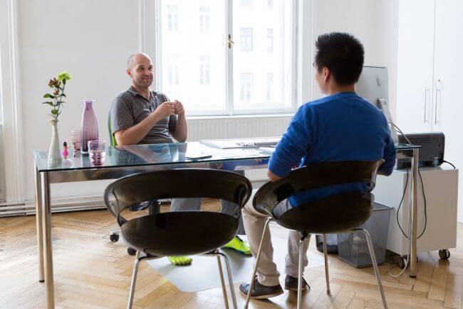 Entspanntes Interview in der Praxis von Karl Bauer